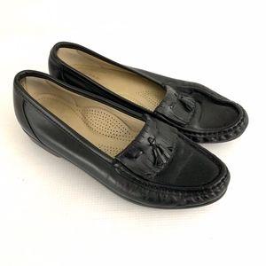 SAS Black Tassel Loafer Shoes Slip on Women Sz 9